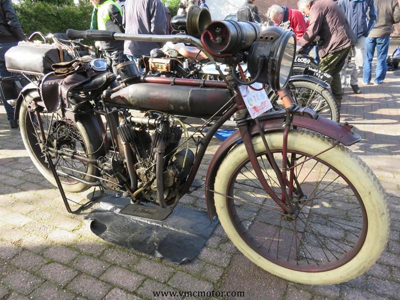 21 april Motorrit van motoren van meer dan 100 jaaroud.